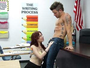 Students Fucking After Class On The Teachers Desk