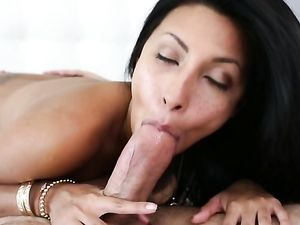 Dark Haired Cocksucker Gets Pleasure In A 69