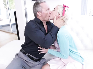Cutest Blonde Teen Babysitter Ever Fucks The Older Guy